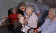 dementia-patients-doll-therapy